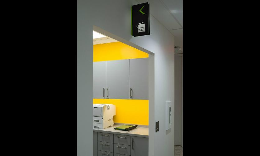 agile Montreal办公室导视系统设计 ©2×4 Inc.Reich + Petch