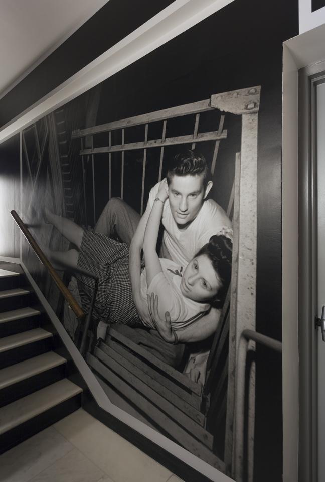纽约市博物馆楼梯间图形设计 © pentagram五角星设计公司