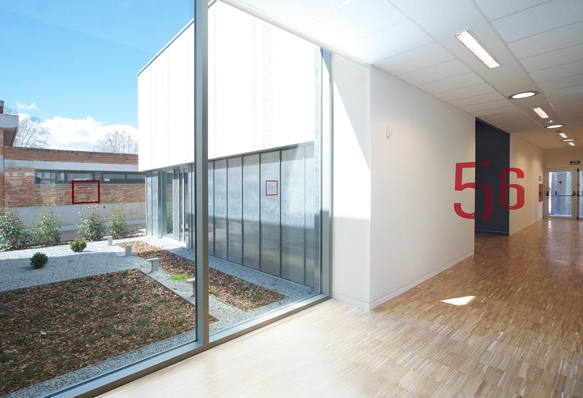 Centre cívic Baró de Viver,市民中心导视设计 © Estudi Conrad Torras