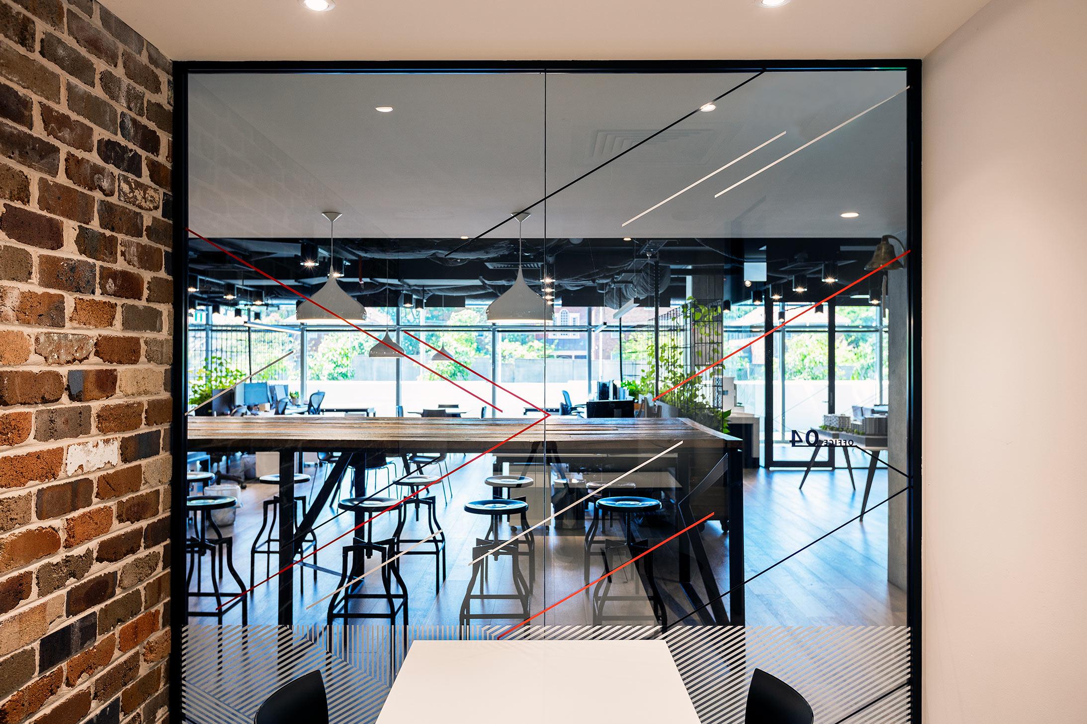 泽特兰新南威尔士LINK总部办公室环境图形设计 © turnerstudio