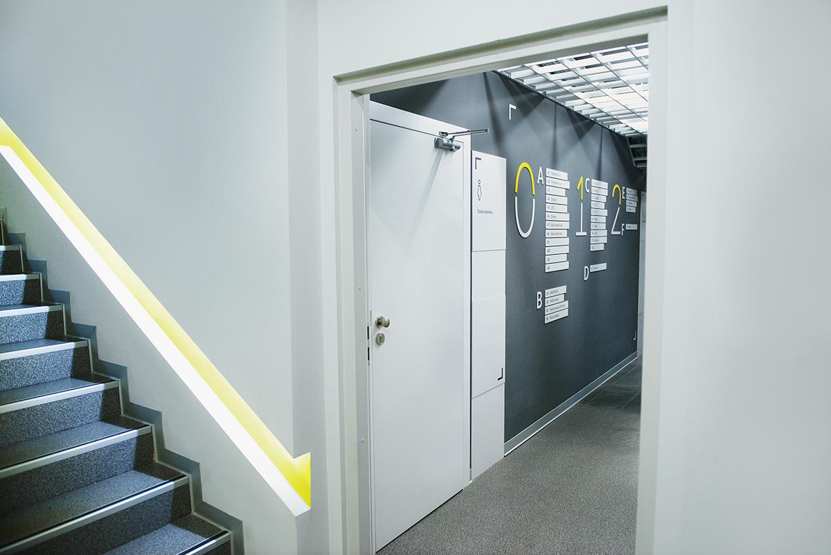 办公室导视,办公室标识设计,办公楼导视,办公楼标识 © Blank Studio