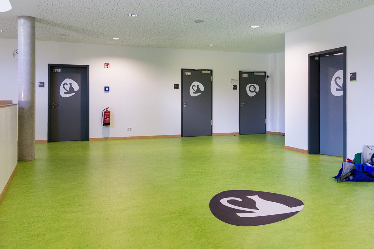 Warsaw Spire学校标识系统设计 © Melanie Fichna,Niklas Herrmann