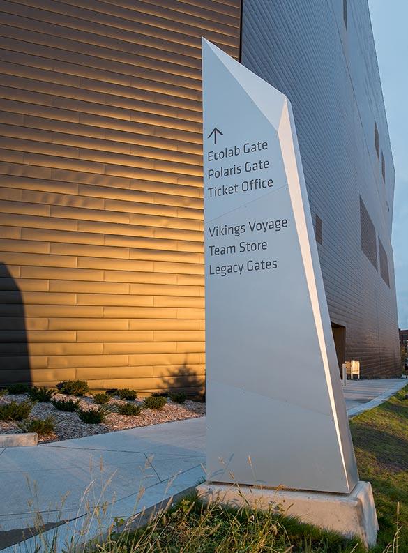 美国银行体育场导视系统规划设计@selbertperkins