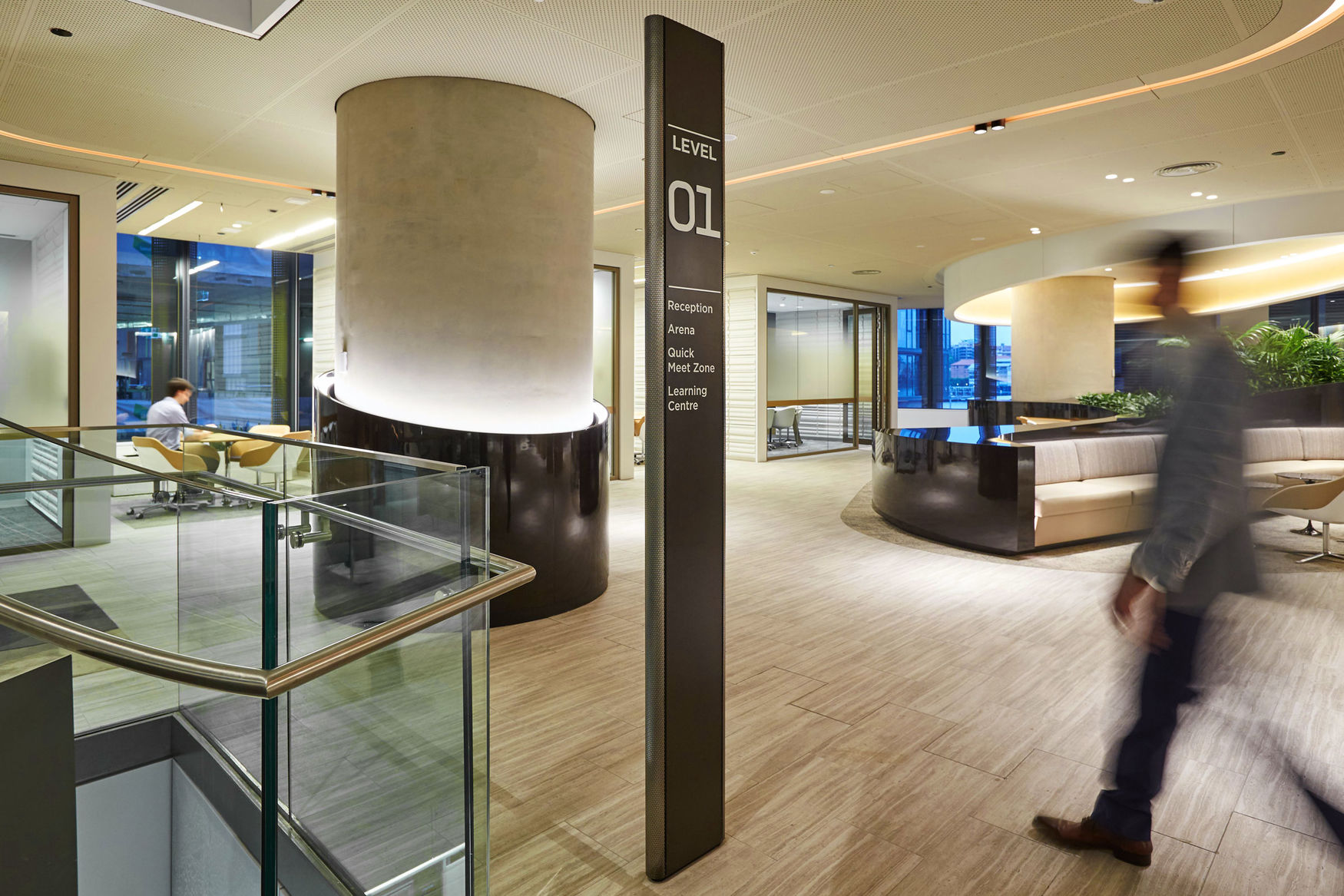 悉尼国际大厦标识系统规划设计©Urbanite