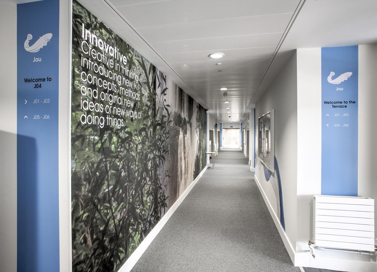 伯恩茅斯公园学校环境图形设计伯恩茅斯公园学校环境图形设计©SoVibrant