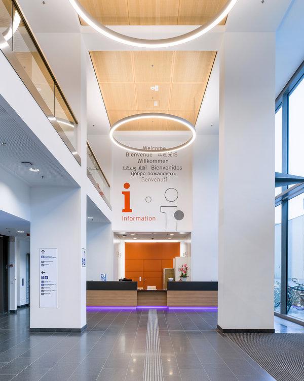 柏林夏洛特医院导视系统设计©moniteurs
