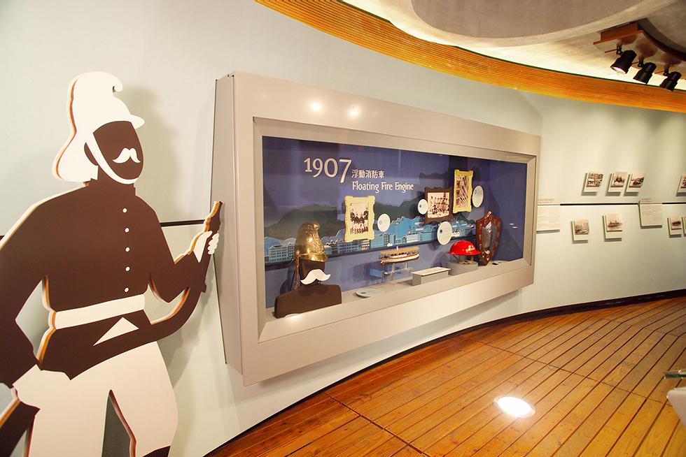 葛量洪号灭火轮展览馆设计©Marc & Chantal