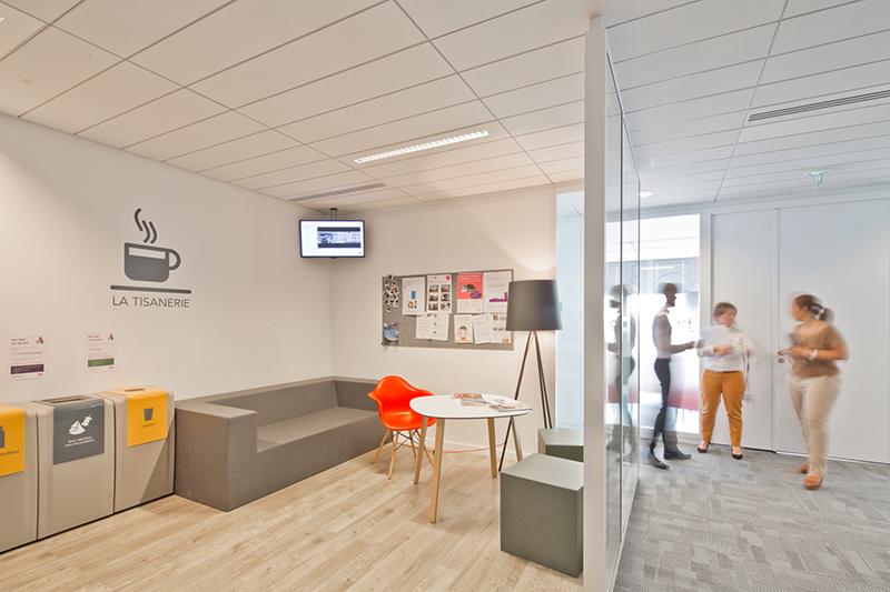 法国国营铁路公司办公室导视系统设计©ateliersupernova