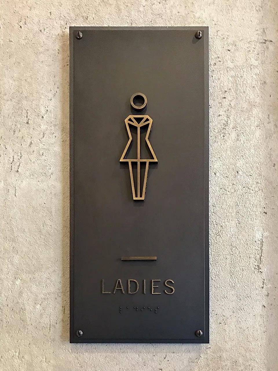 萨加摩尔潘德里酒店标识系统设计 © ashton-design