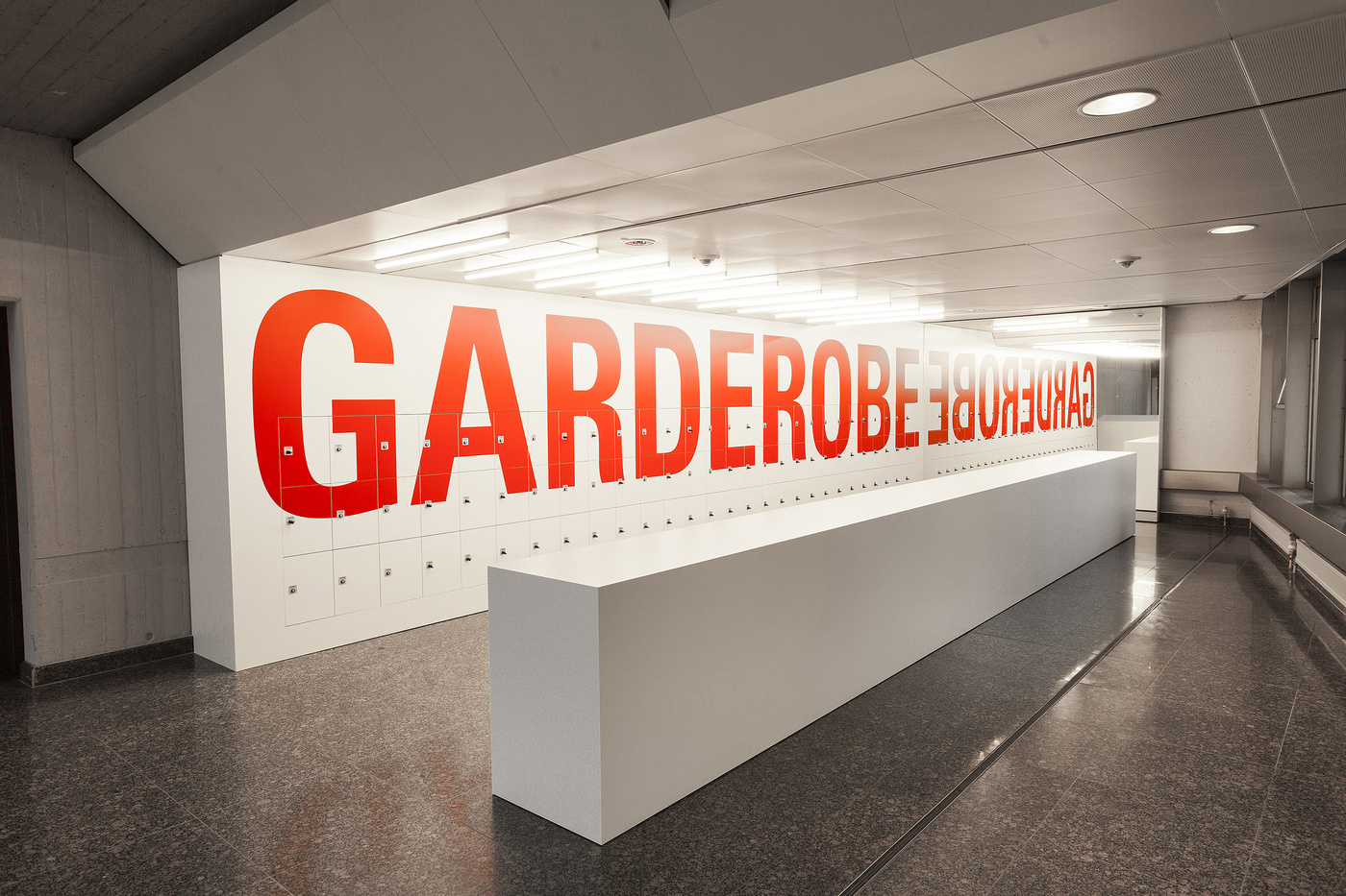 柏林应用艺术博物馆导视系统设计©Double Standards