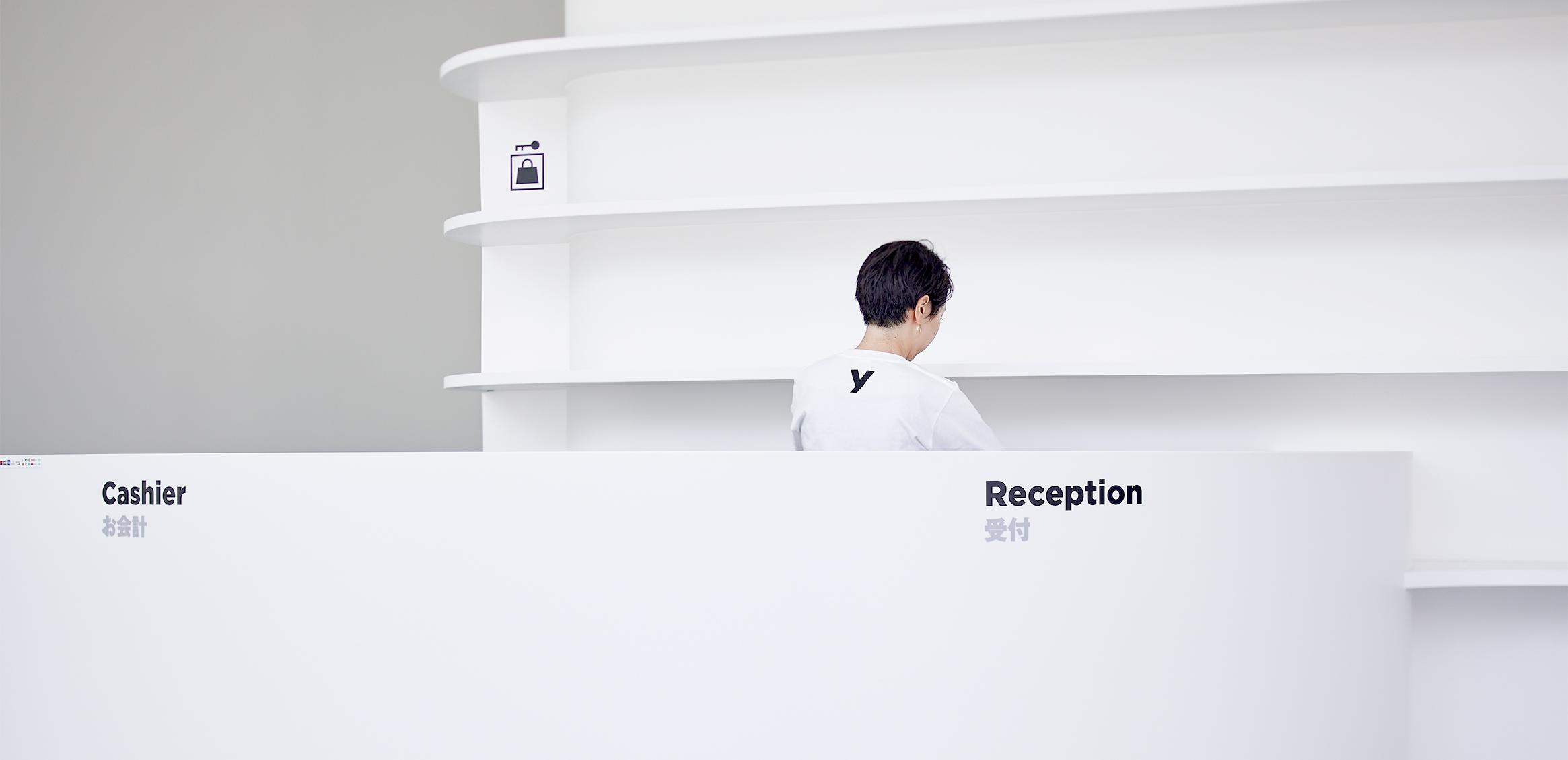 草间弥生美术馆导视系统设计© 色部设计研究室