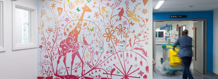 伦敦皇家医院儿童重症监护区壁画设计© Tord Boontje
