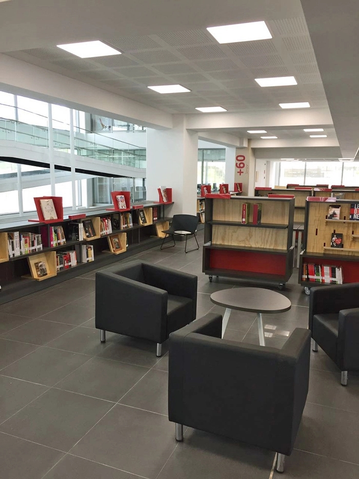 加布里埃拉·米斯特拉尔地区图书馆导视系统设计