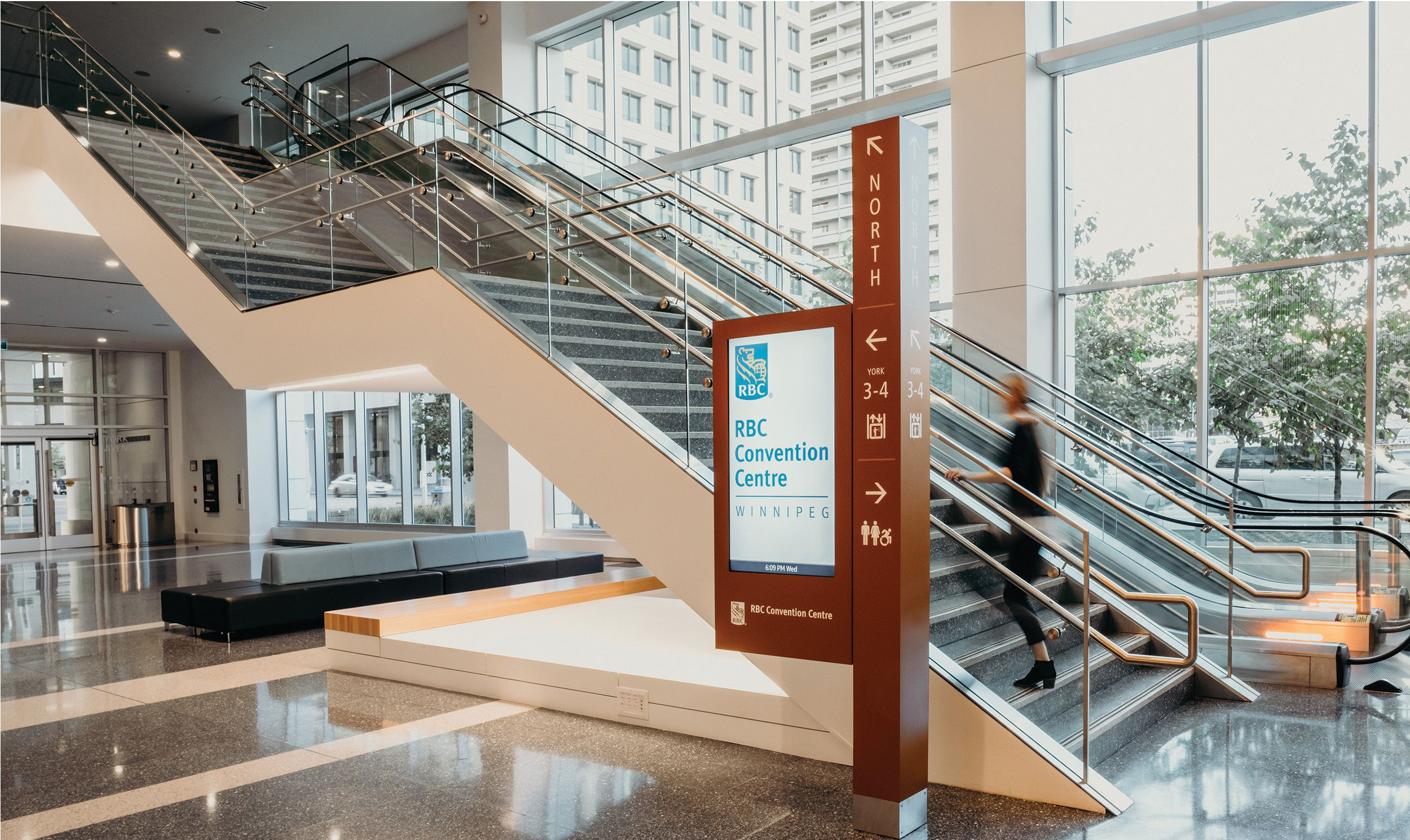 温尼伯RBC会议中心导视系统设计©Entro