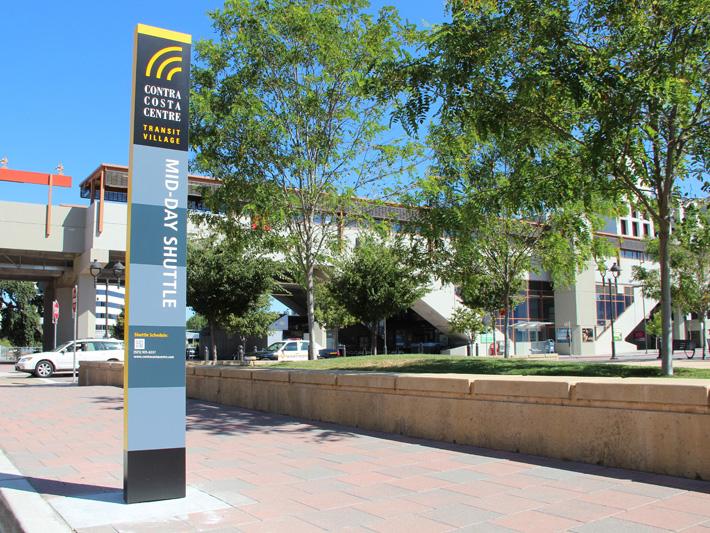 康特拉科斯塔市中心导视系统设计©Omloop Design