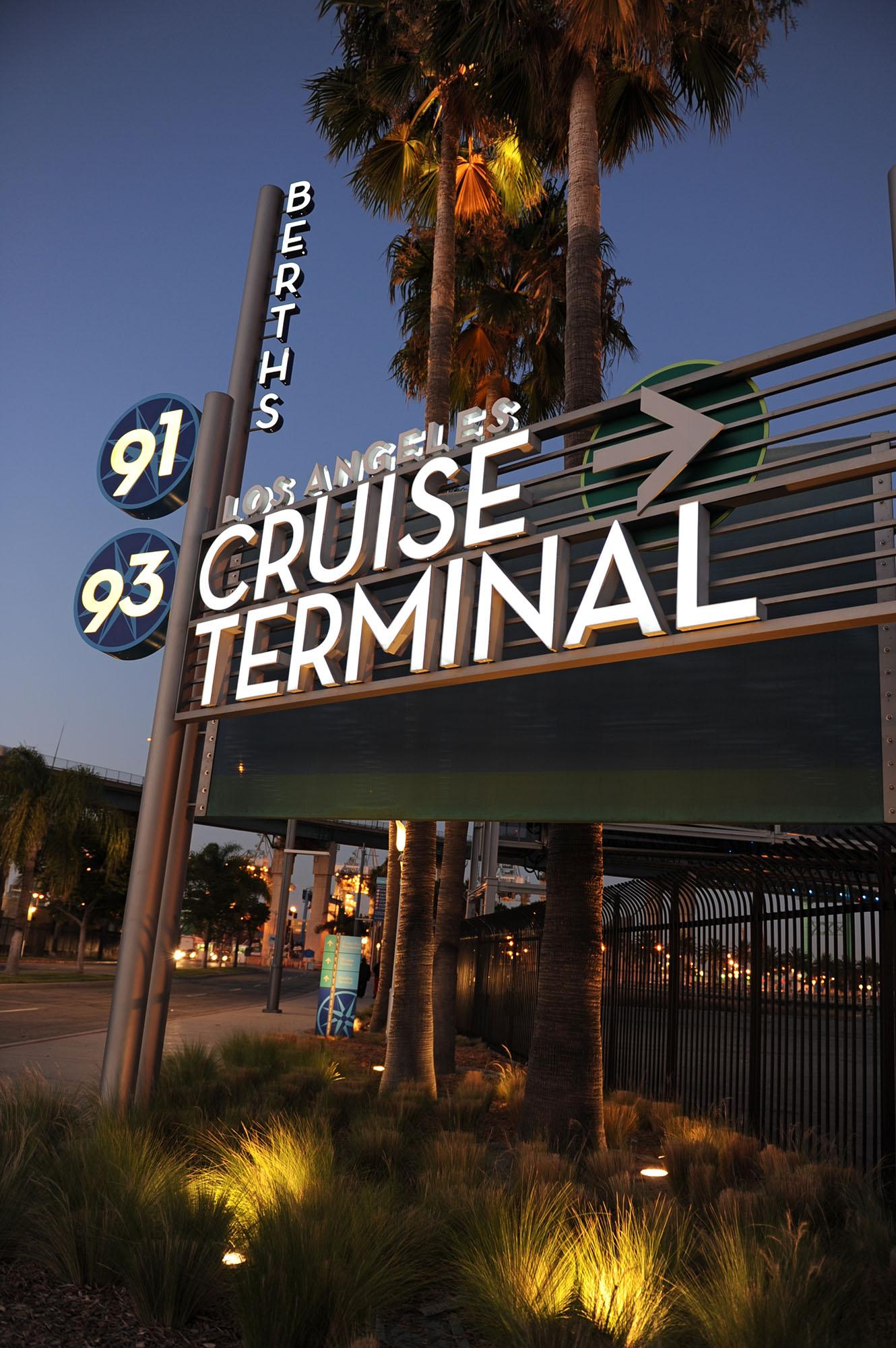 洛杉矶港口海滨长廊标识系统设计©Selbert Perkins Design
