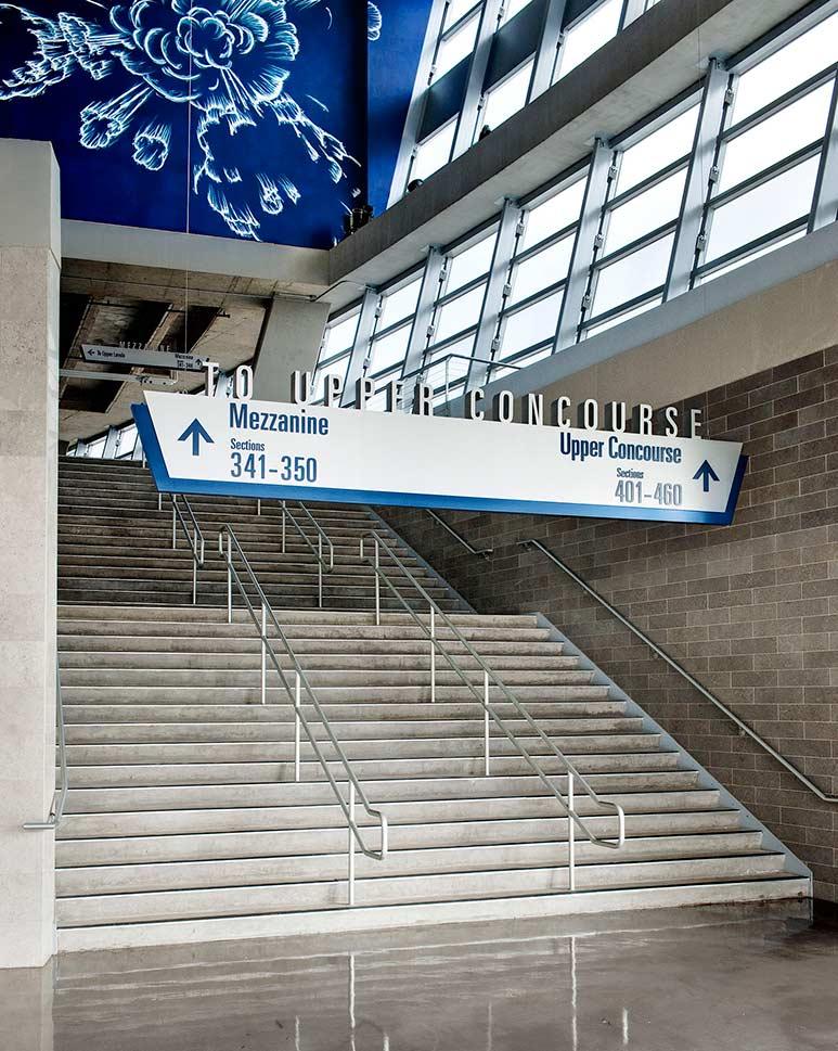 达拉斯牛仔体育场导视系统设计©Selbert Perkins Design