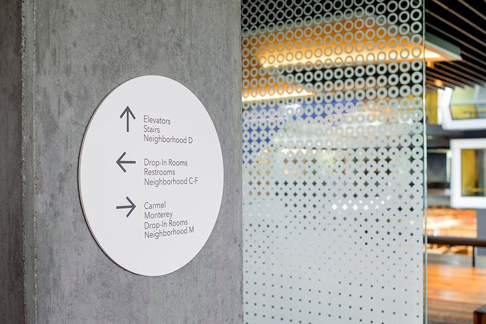 Intuit新办公楼环境标识设计©EGG Office