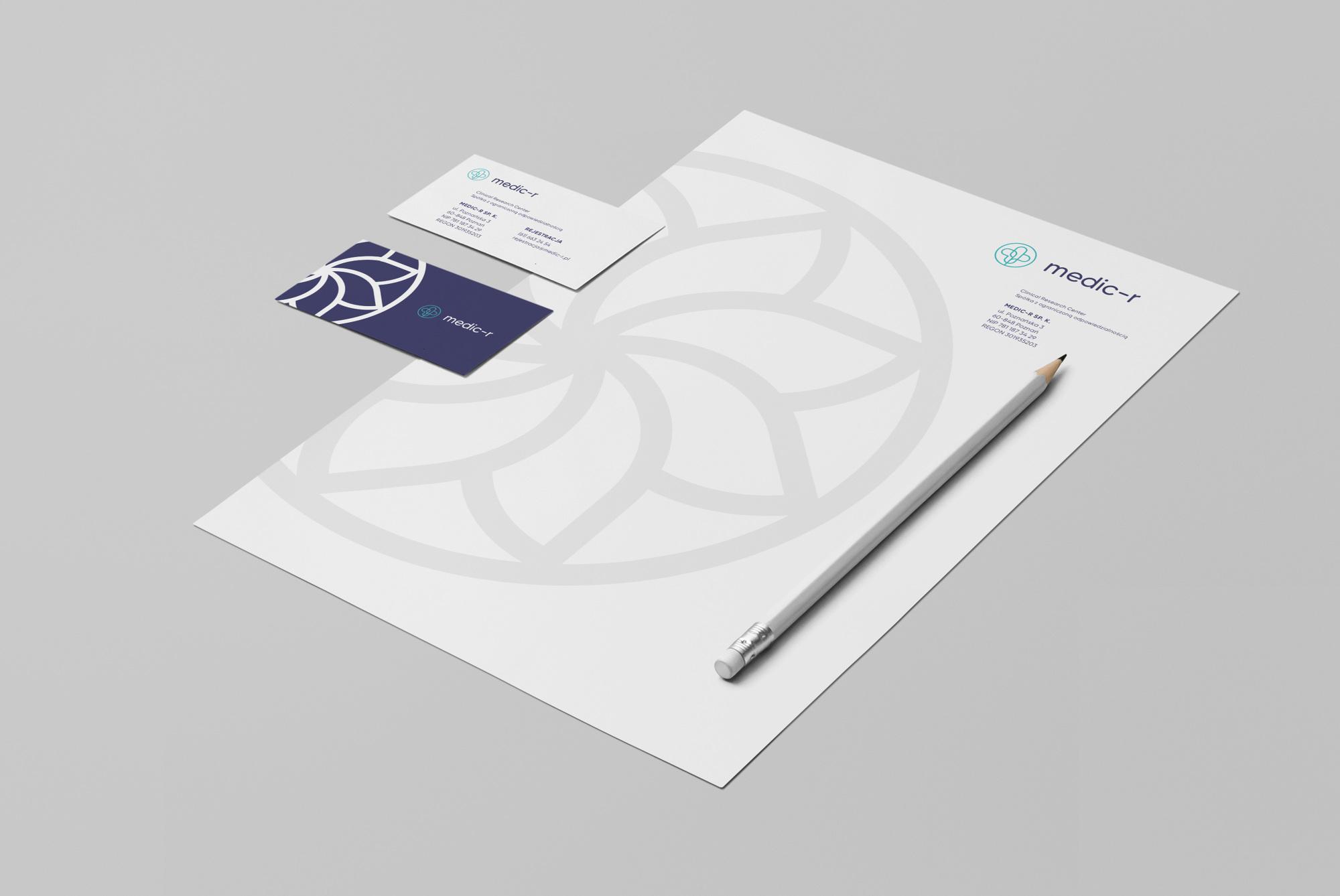 MEDIC-R 私人诊所品牌标识设计©Uniforma