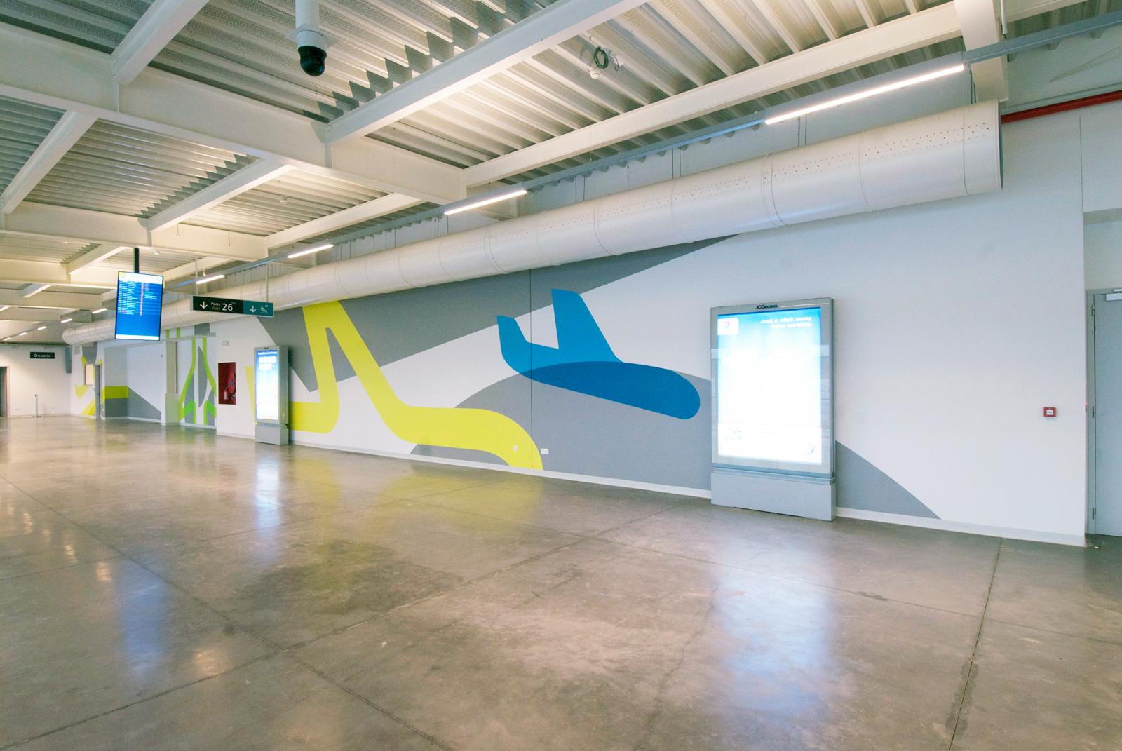 布鲁塞尔南部沙勒罗瓦机场标识设计© André Rodeghiero