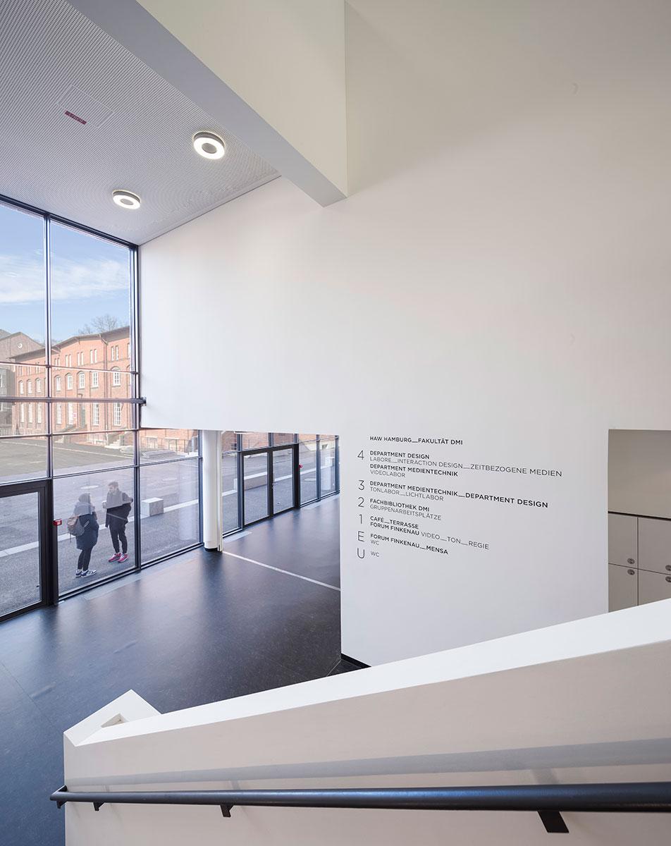 汉堡艺术与媒体校园导视设计©PBLC