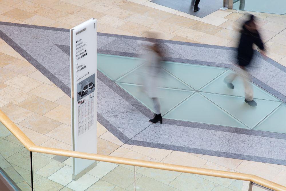Hammerson购物中心导视设计©Holmes Wood