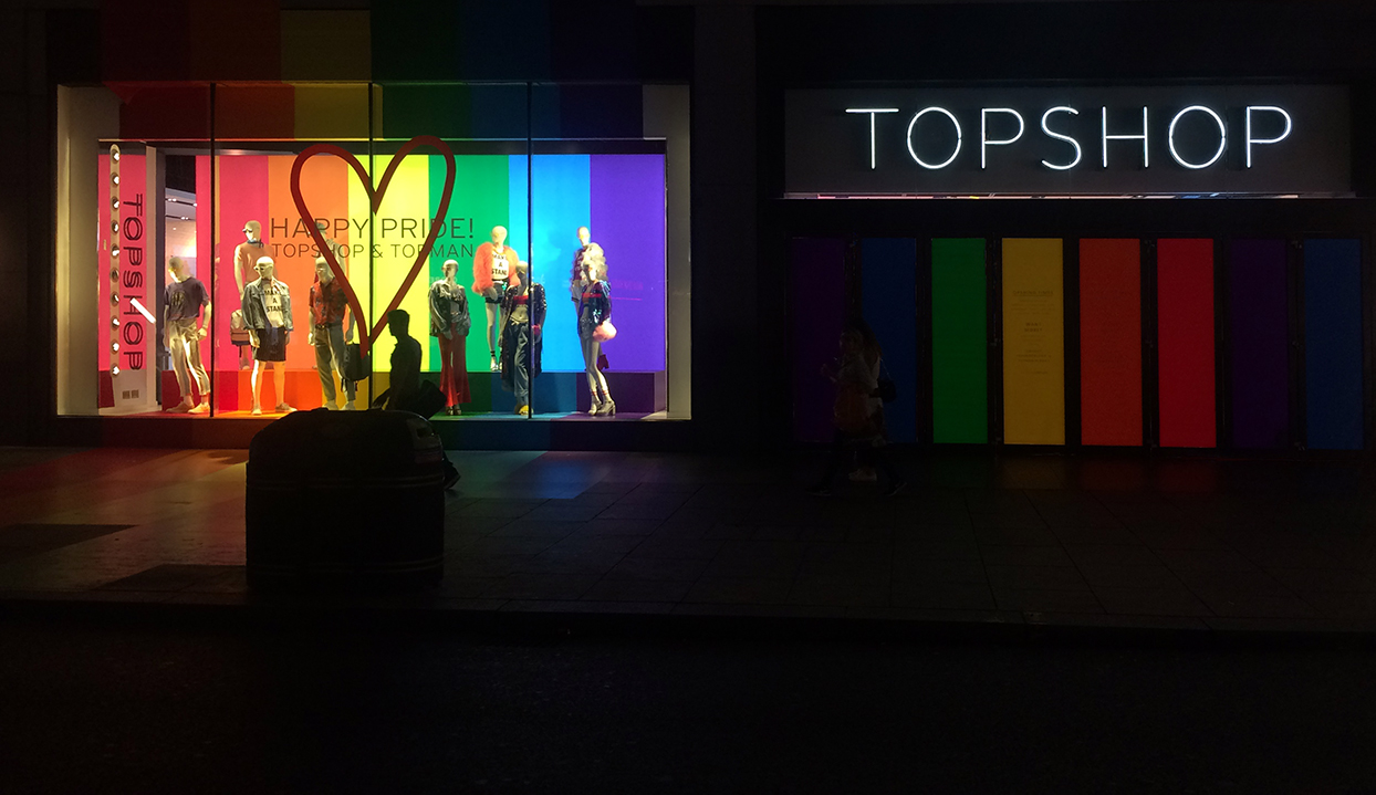 Topshop 装饰图形设计© The Graphical Tree