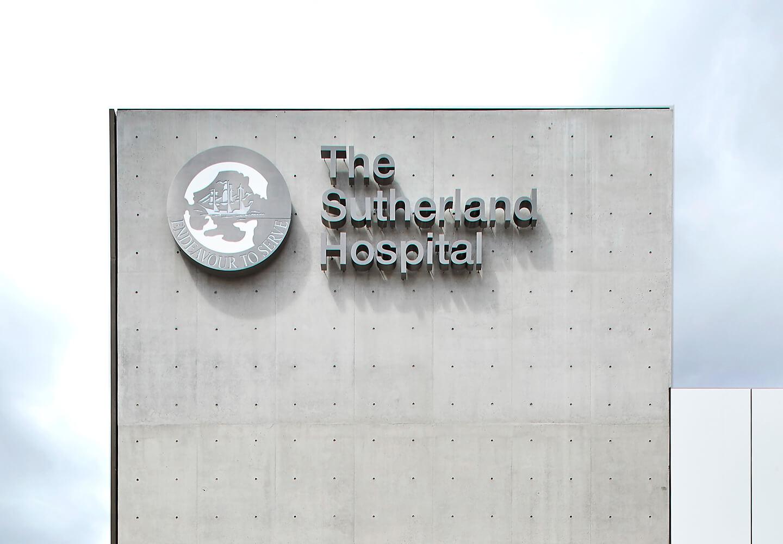 Sutherland 医院导视设计 © BrandCulture