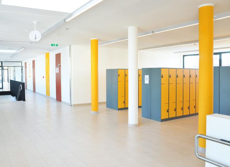 Diefenbach Gymnasium © Monkeys in Town