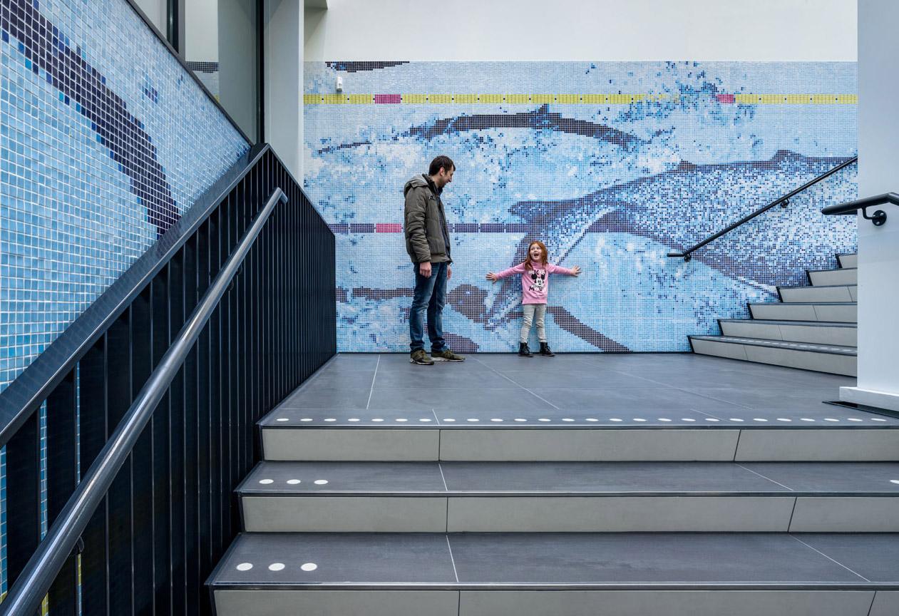 鹿特丹水上运动中心环境图形设计 © SILO
