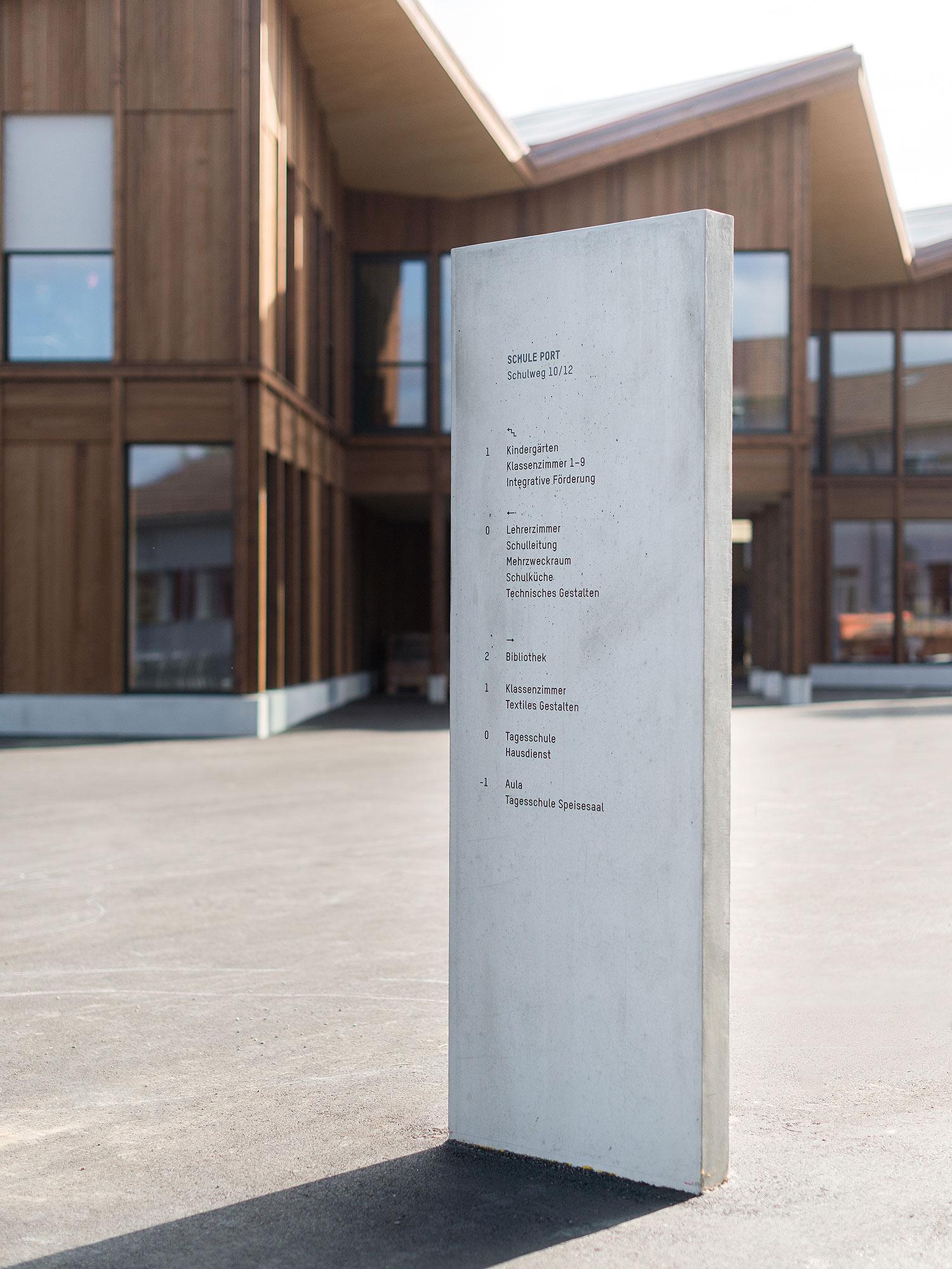 Neue Schule Port标识设计 © superbuero