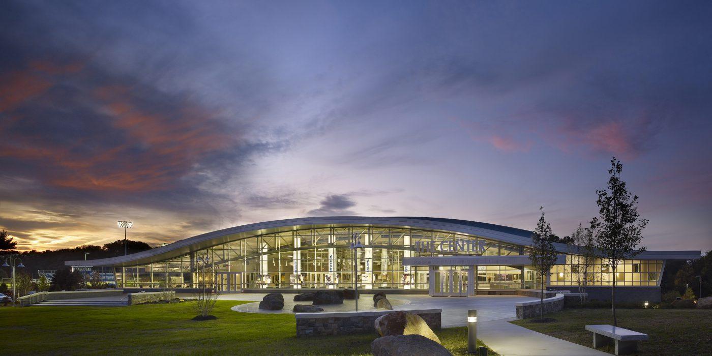 纽曼大学Mirenda中心标识设计©Exit Design